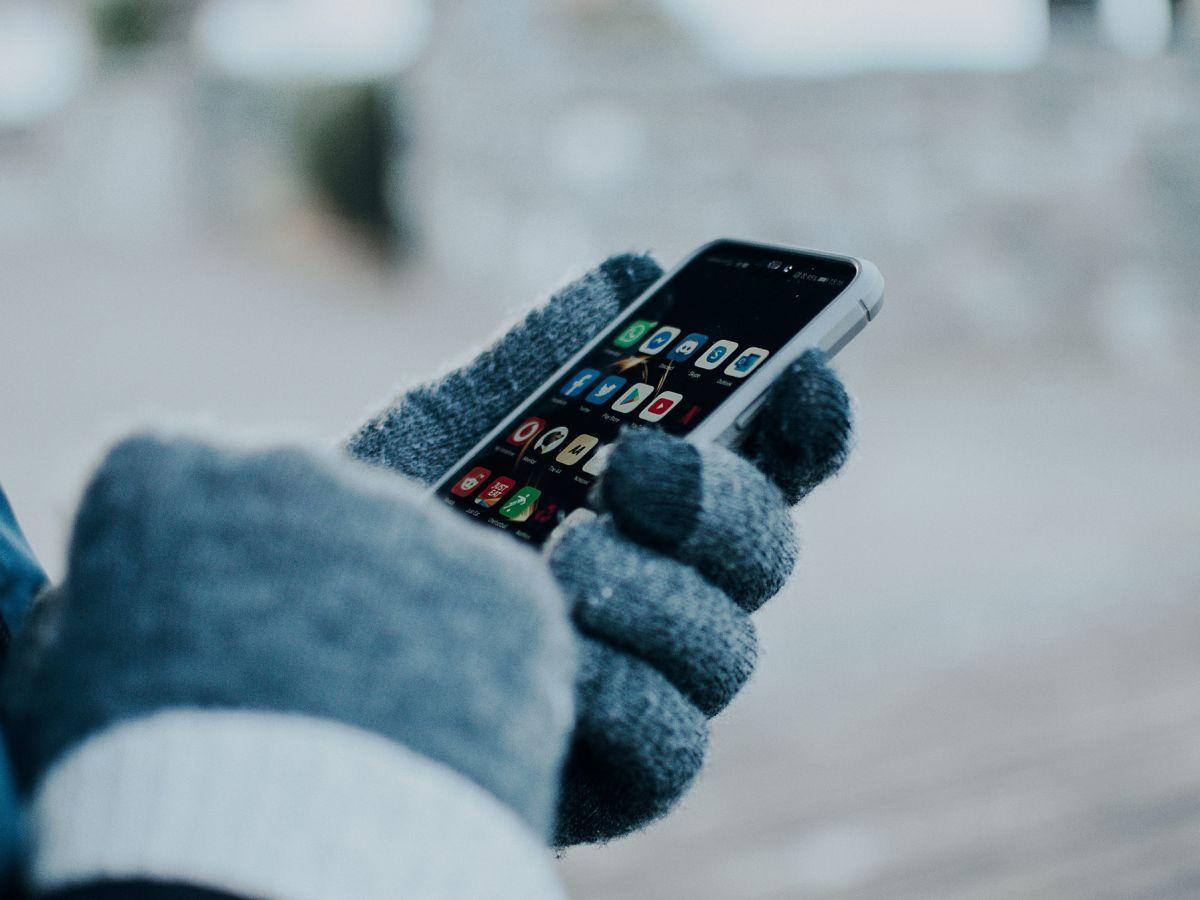 Αλλαγή ώρας 2021 Ελλάδα: Στα κινητά δεν χρειάζεται να κάνουμε κάτι, γυρνούν αυτόματα