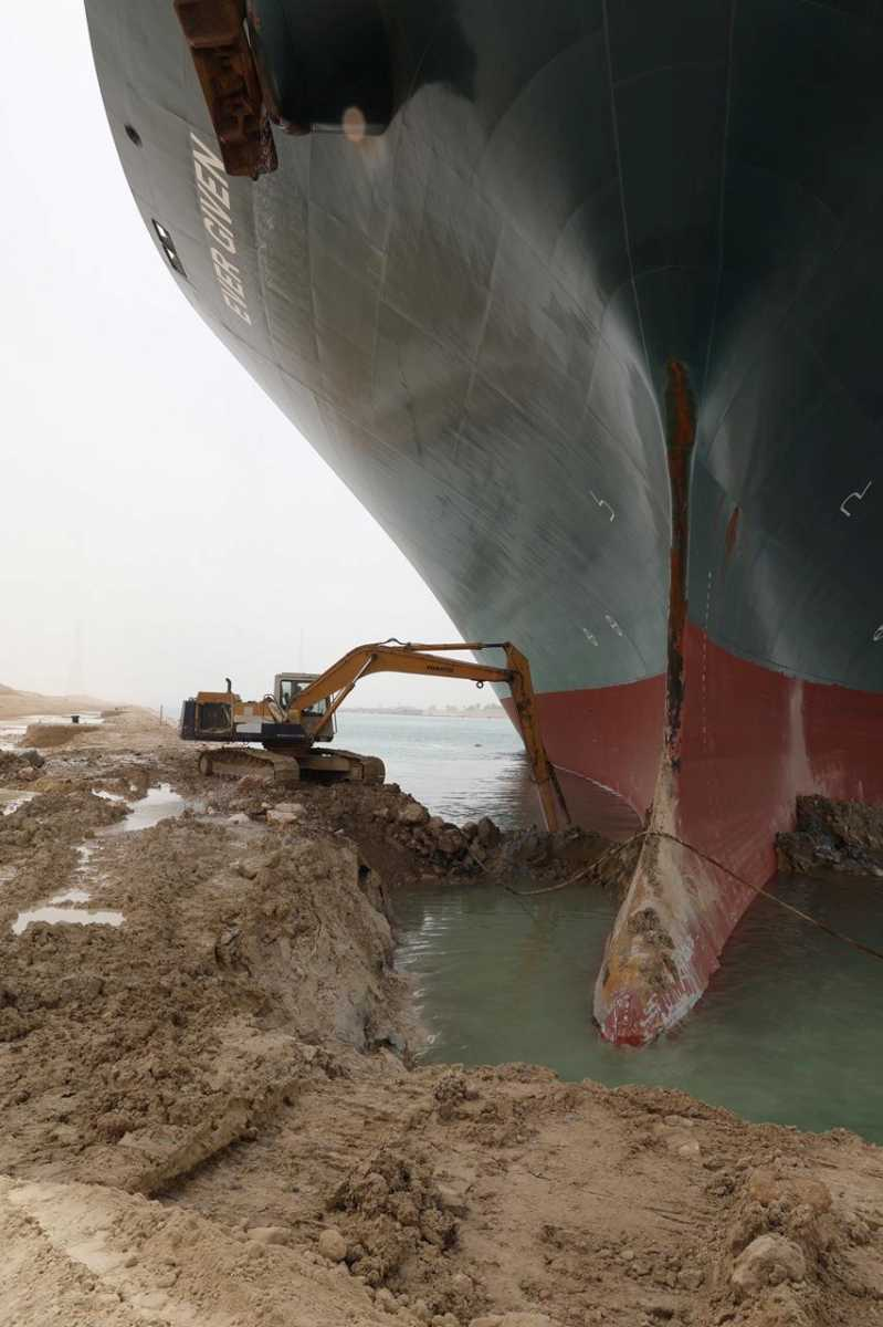 Διώρυγα του Σουέζ: Εικόνα από τις προσπάθειες αποκόλλησης