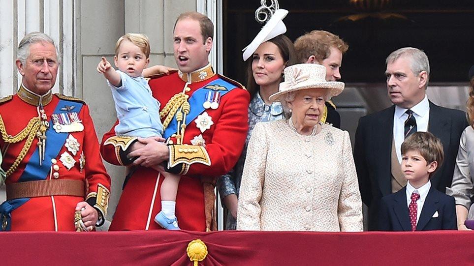 Κηδεία πρίγκιπα Φίλιππου: Η παράδοση που «έσπασε»